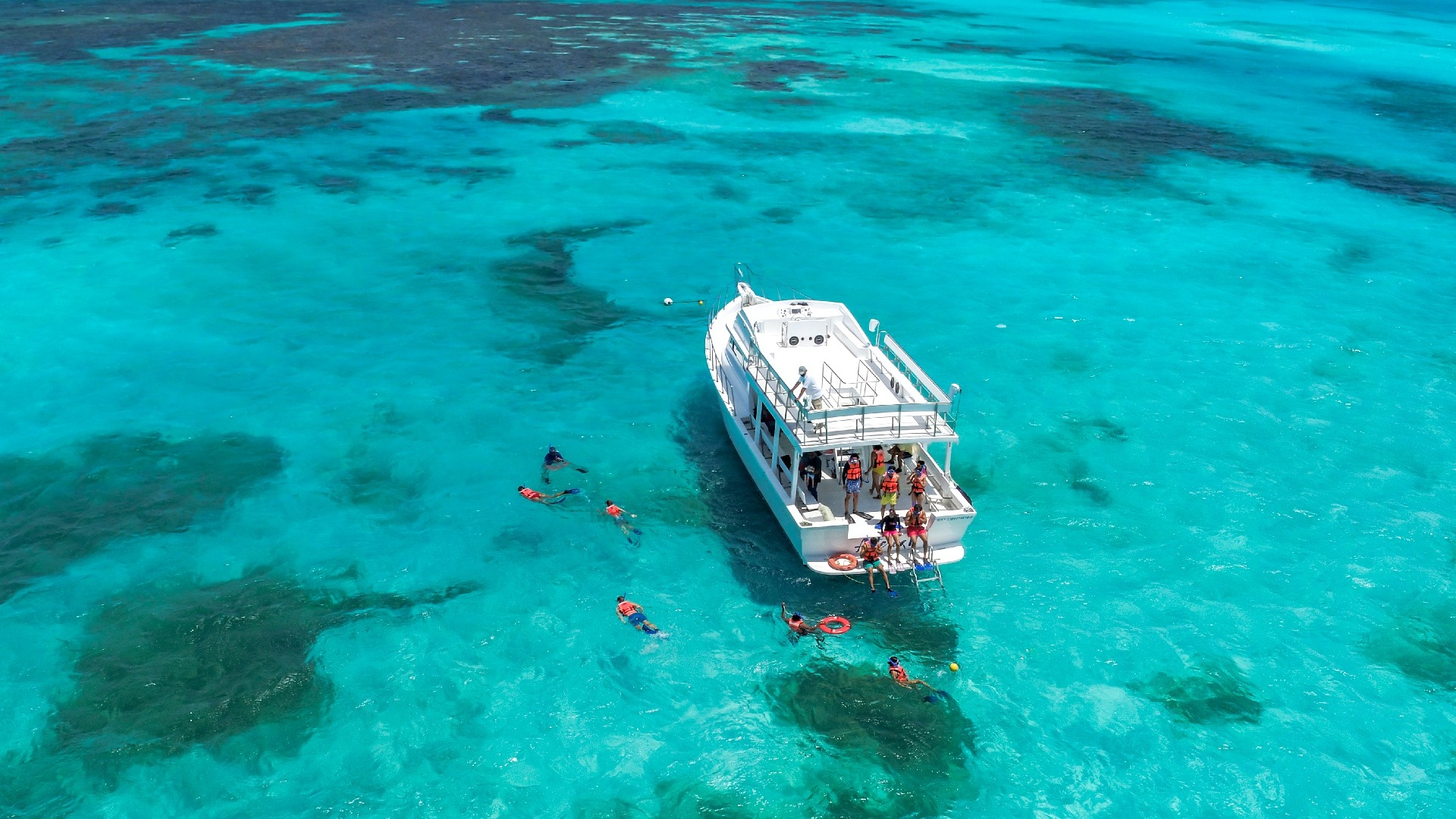 03 - LoRes - Isla Contoy Tour - Ixlaché Reef Snorkeling