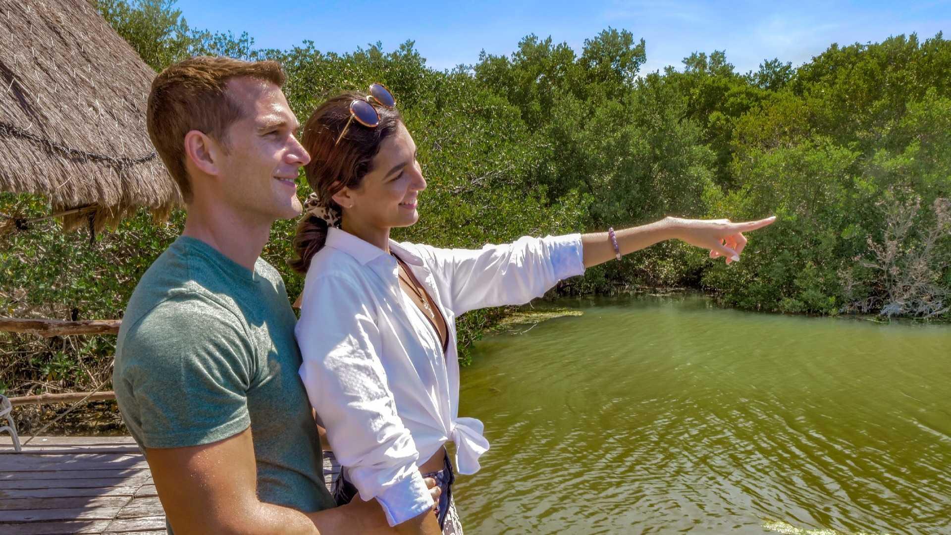 05 - LoRes - Isla Contoy Tour - Couple in lagoon