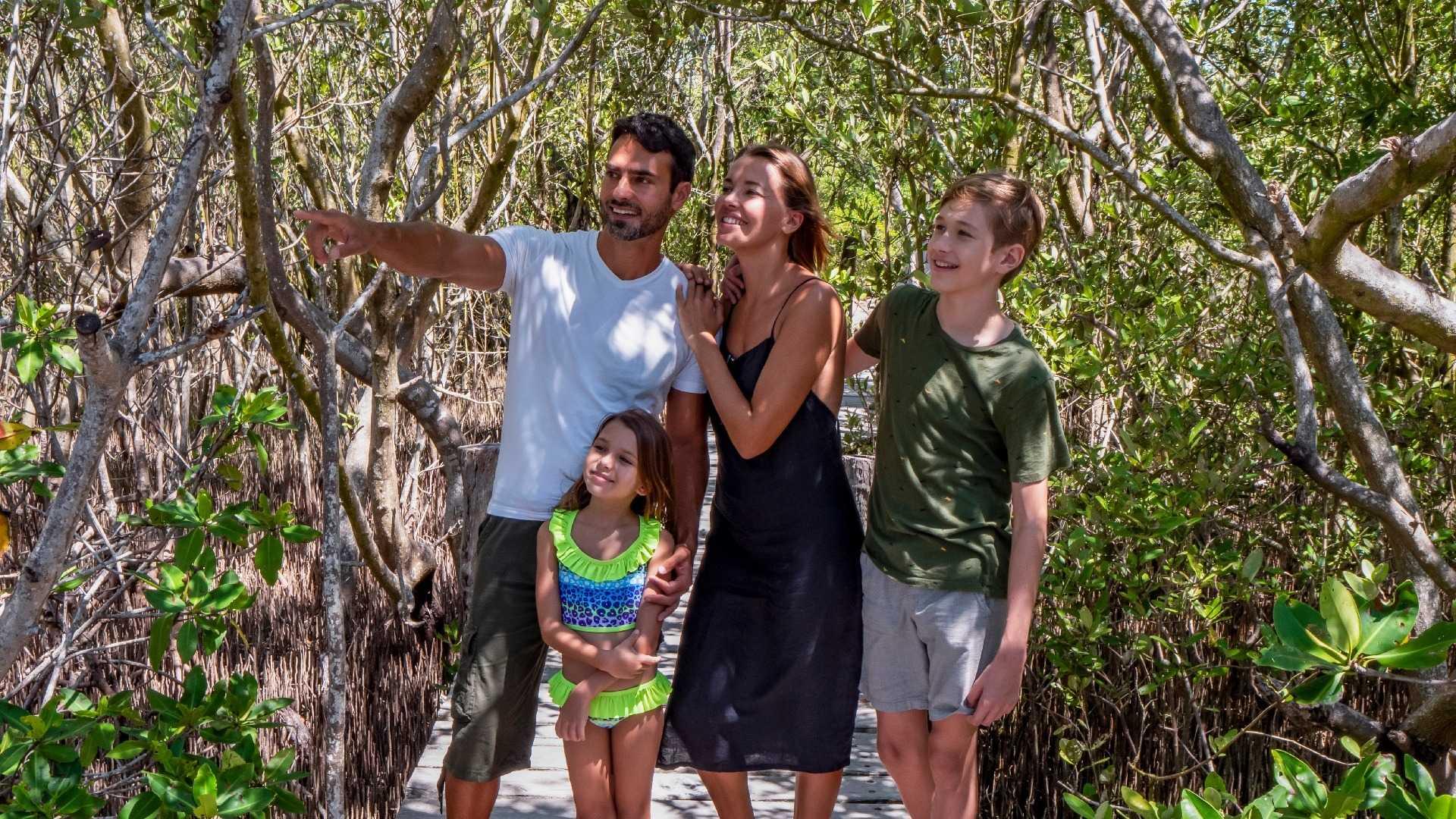 12 - LoRes - Isla Contoy Tour - Family trail
